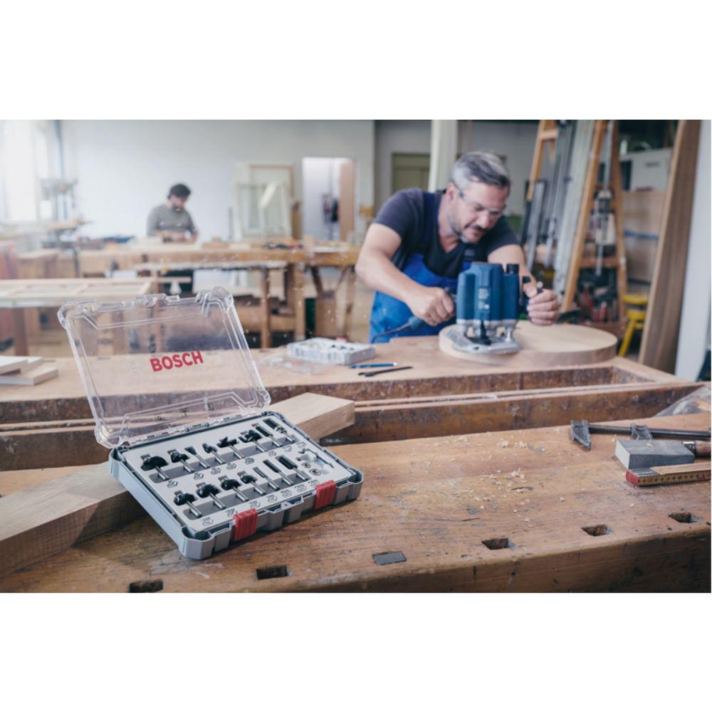 Bosch Fraise à main levée-Set 8-mm 15 pièces 2607017472 Tige