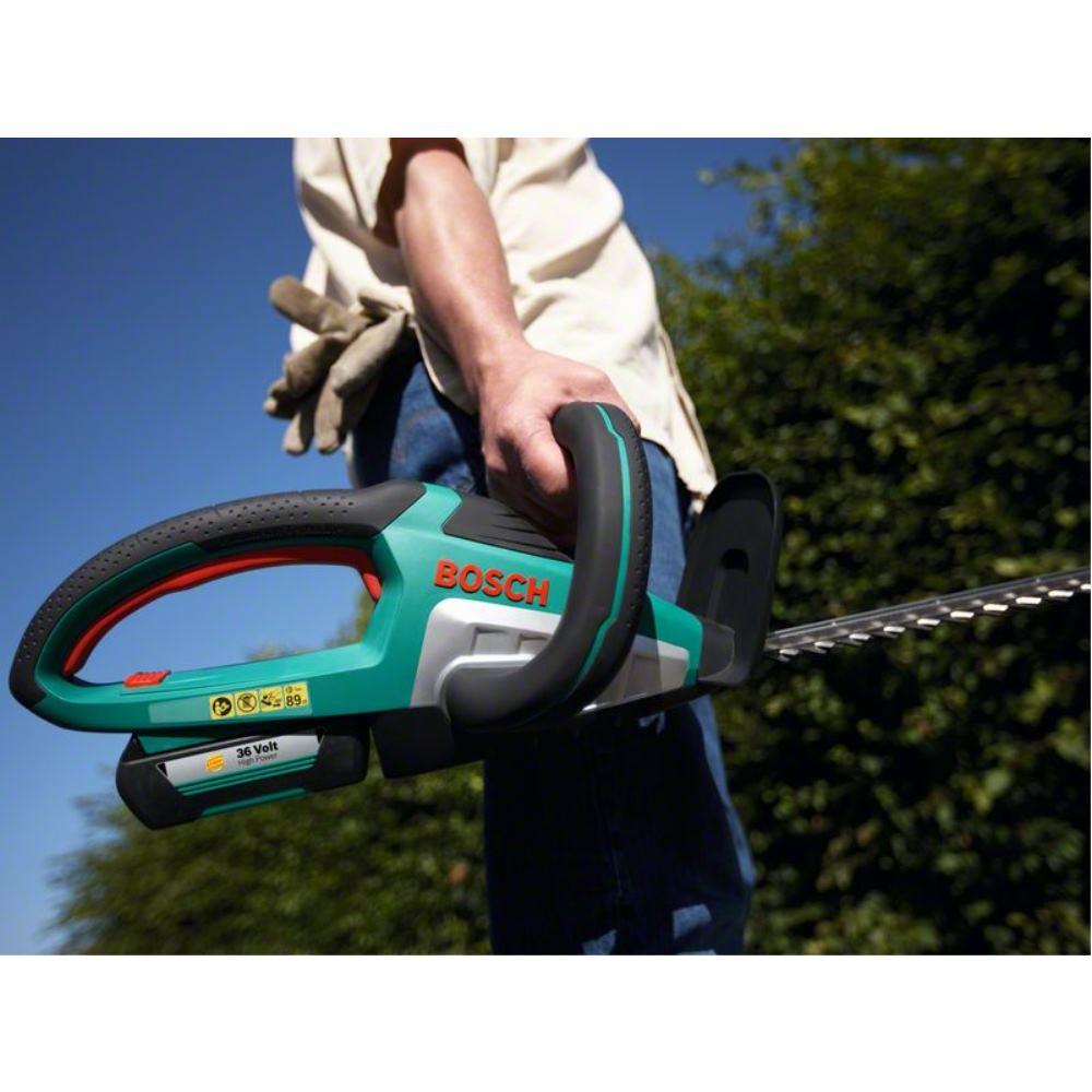 1 x 2.0Ah Battery Bosch AdvancedHedgeCut 36V Cordless Hedgecutter