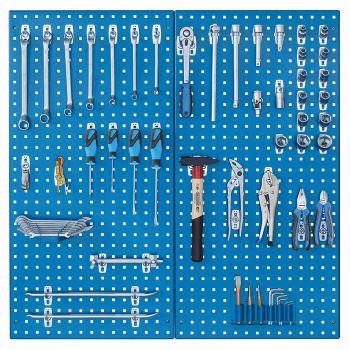 Werkzeugsortiment mit Werkzeugtafel